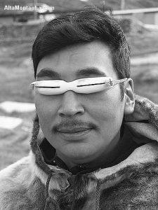 Óculos de Esquimó feito com ossos