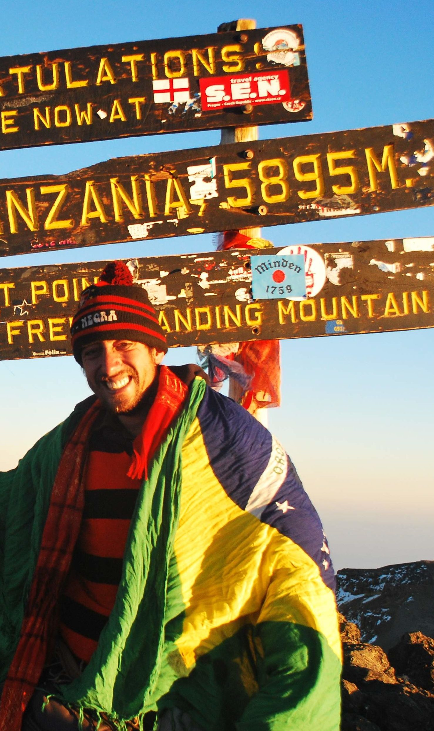 Gabriel Buchmann em uma escalada na Tanzânia