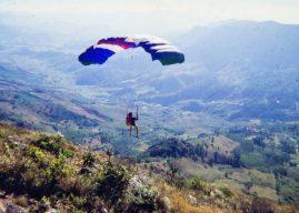 A primeira decolagem de parapente do cume da Pedra do Baú!